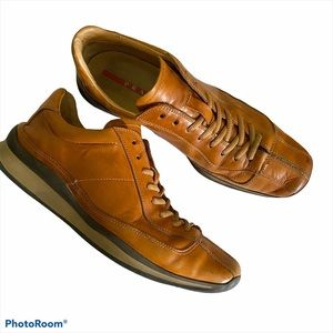 Prada leather lace up oxford comfort shoe